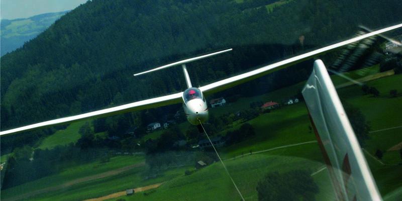 Flugschule_Schlepp02.jpg